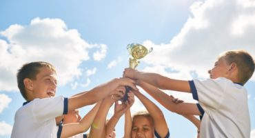 Puchar dziecięcej drużyny piłki nożnej